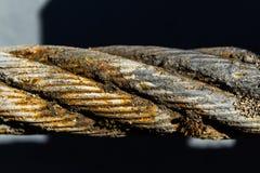 Παλαιό σκουριασμένο σχοινί χαλύβδινων συρμάτων Στοκ φωτογραφίες με δικαίωμα ελεύθερης χρήσης