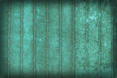 Παλαιό σκουριασμένο υπόβαθρο τοίχων metall - πράσινη πόρτα Στοκ Εικόνα