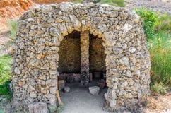 Παλαιό σπίτι ανθρώπων εποχής του λίθου sapiens στο νησί της Κρήτης Στοκ Εικόνες