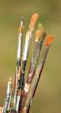 Παλαιό σύνολο βουρτσών που χρησιμοποιούνται από έναν ζωγράφο Στοκ φωτογραφία με δικαίωμα ελεύθερης χρήσης