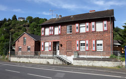 Παλαιό τούβλινο σπίτι Στοκ εικόνα με δικαίωμα ελεύθερης χρήσης
