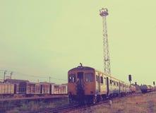 Παλαιό τραίνο με την αναδρομική επίδραση φίλτρων στοκ εικόνες
