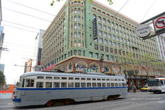 Παλαιό τραμ στην οδό αγοράς, Σαν Φρανσίσκο, ΗΠΑ Στοκ Εικόνα