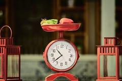 Παλαιό τυποποιημένο ρολόι Στοκ Φωτογραφία