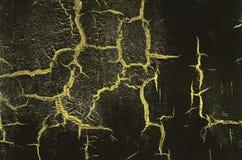 Παλαιό χαλασμένο ραγισμένο χρωμάτων, μαύρου και κίτρινου χρώμα τοίχων, υποβάθρου Grunge Στοκ φωτογραφία με δικαίωμα ελεύθερης χρήσης