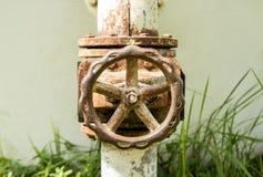 παλαιό ύδωρ βαλβίδων Στοκ φωτογραφία με δικαίωμα ελεύθερης χρήσης