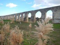 Παλαιό abandonec aquaduct στο larnaka Στοκ εικόνες με δικαίωμα ελεύθερης χρήσης