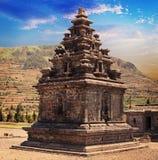 Ινδό candi Arjuna, Dieng οροπέδιο, Ιάβα, Ινδονησία ναών Στοκ Φωτογραφίες