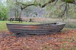 Παλαιό Rowboat Στοκ Φωτογραφίες