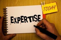 Πείρα γραψίματος κειμένων γραφής Η έννοια που σημαίνει την ειδική ικανότητα ή η γνώση σε ένα ιδιαίτερο άτομο φρόνησης εμπειρίας τ στοκ φωτογραφία με δικαίωμα ελεύθερης χρήσης