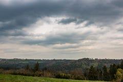Πεδία και δάσος στοκ φωτογραφίες με δικαίωμα ελεύθερης χρήσης