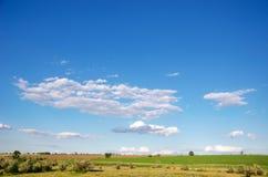 πεδία σύννεφων Στοκ εικόνα με δικαίωμα ελεύθερης χρήσης