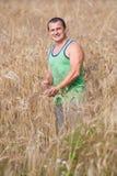 πεδίο αγροτών οι νεολαί&epsil Στοκ φωτογραφίες με δικαίωμα ελεύθερης χρήσης