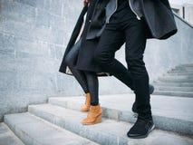 Πεζοί μόδας οδών Ενεργοί άνθρωποι Στοκ φωτογραφία με δικαίωμα ελεύθερης χρήσης