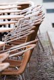 πεζοδρόμιο εδρών καφέδων Στοκ φωτογραφία με δικαίωμα ελεύθερης χρήσης
