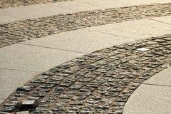 Πεζοδρόμιο του τετραγώνου παλατιών με του φωτός του ήλιου στοκ εικόνες