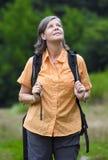 πεζοπορία ληφθείσα στιλβωτική ουσία γυναίκα εικόνων βουνών Στοκ εικόνες με δικαίωμα ελεύθερης χρήσης