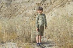 Πεζοπορία μικρών παιδιών Στοκ φωτογραφία με δικαίωμα ελεύθερης χρήσης