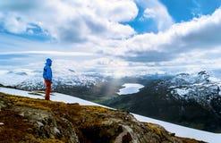 πεζοπορία Νορβηγία στοκ φωτογραφία