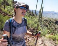 Πεζοπορία στο εθνικό πάρκο Saguaro Στοκ εικόνα με δικαίωμα ελεύθερης χρήσης