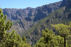 Πεζοπορία Caldera Λα στο εθνικό πάρκο στο Λα Palma, Ισπανία νησιών Στοκ Εικόνες