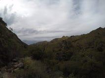Πεζοπορώ στα βουνά Capilla del Monte, CÃ ³ rdoba, Αργεντινή στη λίμνη Los Alazanes Στοκ Φωτογραφία