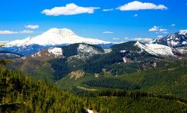 Πεζοπορώ στο βουνό στοκ εικόνες