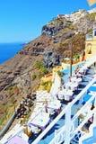 Πεζούλια Santorini Ελλάδα άποψης θάλασσας Clifftop Στοκ Φωτογραφία