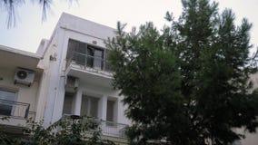 Πεζούλι ενός παλαιού σπιτιού στο νησί της Κρήτης στην Ελλάδα 4K απόθεμα βίντεο