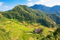 Πεζούλια ρυζιού στις Φιλιππίνες Το χωριό είναι σε μια κοιλάδα amo Στοκ φωτογραφία με δικαίωμα ελεύθερης χρήσης