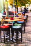Πεζούλι καφέδων στην πόλη φθινοπώρου Στοκ Εικόνες