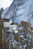Πεζούλι της Mont Blanc στο τοπ σταθμό βουνών του Aiguille du Midi σε γαλλικό Apls Στοκ Εικόνες