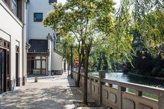 πεζοδρόμιο κατά μήκος του ποταμού Qinghuai Στοκ Φωτογραφία