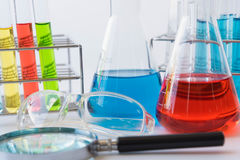 Πειράματα εξοπλισμού και επιστήμης Στοκ φωτογραφία με δικαίωμα ελεύθερης χρήσης
