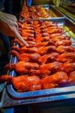 ΠΕΚΙΝΟ, ΚΙΝΑ - 29 ΙΑΝΟΥΑΡΊΟΥ 2017: Σειρές των μαγειρευμένων παπιών έτοιμων να φάνε, τοπική κινεζική έννοια αγοράς τροφίμων Στοκ Εικόνες