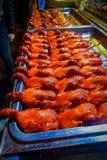 ΠΕΚΙΝΟ, ΚΙΝΑ - 29 ΙΑΝΟΥΑΡΊΟΥ 2017: Σειρές των μαγειρευμένων παπιών έτοιμων να φάνε, τοπική κινεζική έννοια αγοράς τροφίμων Στοκ Φωτογραφίες