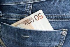 Πενήντα ευρώ στην τσέπη της Στοκ φωτογραφία με δικαίωμα ελεύθερης χρήσης