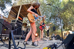 Πενθήστε (ζώνη από την Καταλωνία) στη συναυλία στο φεστιβάλ Vida στοκ εικόνες