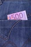 Πεντακόσια ευρώ που κολλούν από την τσέπη του Στοκ Φωτογραφία