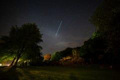 Περάσματα ISS πέρα από την εκκλησία Στοκ φωτογραφία με δικαίωμα ελεύθερης χρήσης