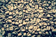 Περίβολος σύστασης υποβάθρου φασολιών καφέ επάνω στη μακροεντολή Τρύγος, grunge παλαιά αναδρομική φωτογραφία ύφους Στοκ Εικόνες