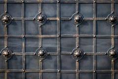 Περίκομψα στοιχεία επεξεργασμένος-σιδήρου της διακόσμησης πυλών μετάλλων Στοκ Εικόνα