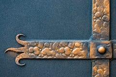 Περίκομψα στοιχεία επεξεργασμένος-σιδήρου της διακόσμησης πυλών μετάλλων Στοκ εικόνα με δικαίωμα ελεύθερης χρήσης