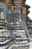 Περίκομψες ανακουφίσεις επιτροπής τοίχων που απεικονίζουν τις ινδές θεότητες, ναός Chennakesava, Belur, Karnataka Άποψη από τη δύ στοκ εικόνες