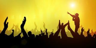Περίληψη φεστιβάλ ζωνών μουσικής κόμματος πλήθους συναυλίας ανοικτό κίτρινο στο υπόβαθρο απεικόνιση αποθεμάτων