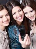 Περίοδος επικοινωνίας φωτογραφιών κοριτσιών Στοκ φωτογραφία με δικαίωμα ελεύθερης χρήσης