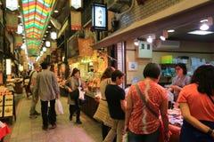 περίπατος ……Shoppers κατά μήκος Demachi Masugata Archade Στοκ Φωτογραφία