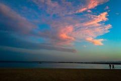 Περίπατος ηλιοβασιλέματος Στοκ φωτογραφίες με δικαίωμα ελεύθερης χρήσης