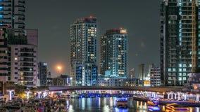 Περίπατος και κανάλι στη μαρίνα του Ντουμπάι timelapse τη νύχτα, Ε.Α.Ε. φιλμ μικρού μήκους