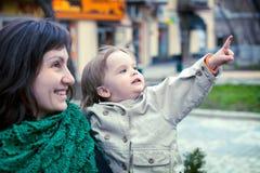 περίπατος μητέρων μωρών Στοκ Φωτογραφία